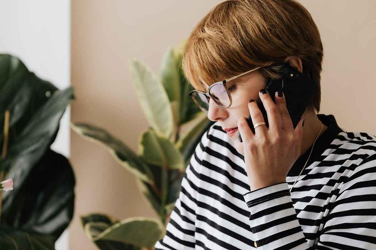 Wir klären telefonisch alle Ihre Frage zur Beratung, sprechen über Ihr Beratungsziel und vereinbaren in welcher Situation Sie sich mit Ihrem Kind filmen.